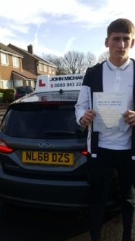 Congratulations to Lewis who passed his test today on the 1st attempt, with only 2 minors! With his instructor Graham! Well done Lewis!