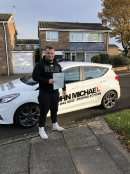 AMAZING Driving from Ollie Robinson today!! He's just smashed 🥊🥊 his driving test at the first attempt!  😀 with me and only a few minors!! Well done Ollie!!...